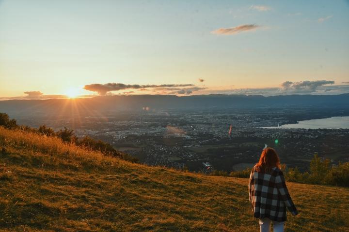 Le téléphérique du Salève, vue sur Genève et coucher desoleil